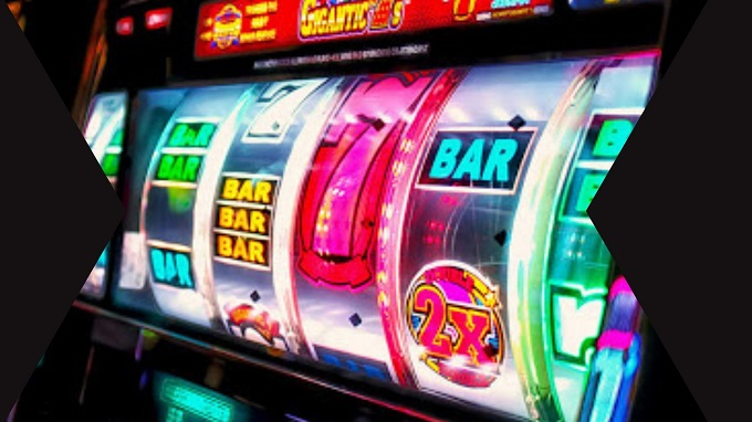 What is the history of slot machine?