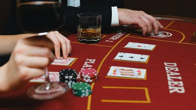 Why you should know the casino Blackjack etiquette?