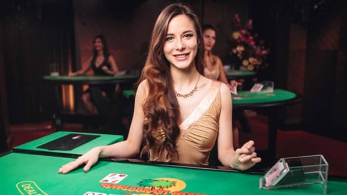 How much does a croupier earn on average?